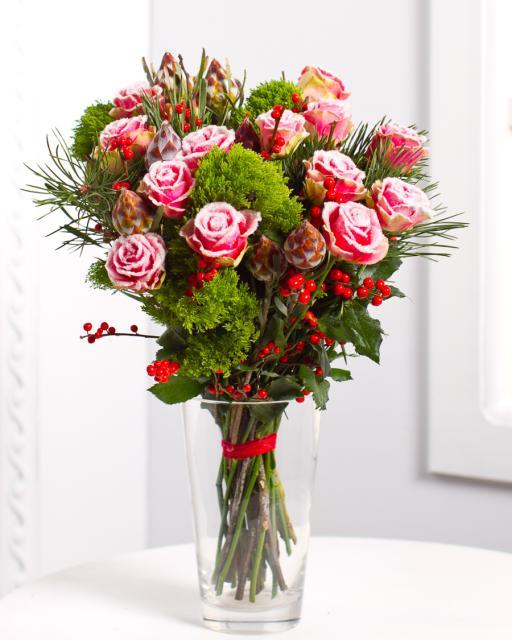 (Detsember-Jaanuar) Kimp lumiste roosidega